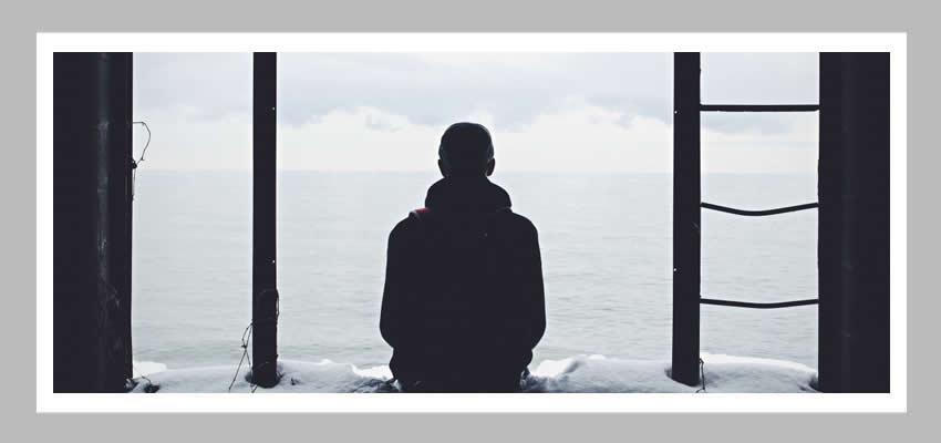Merhaba Yalnızlık Bana da Yerin Var Mı?